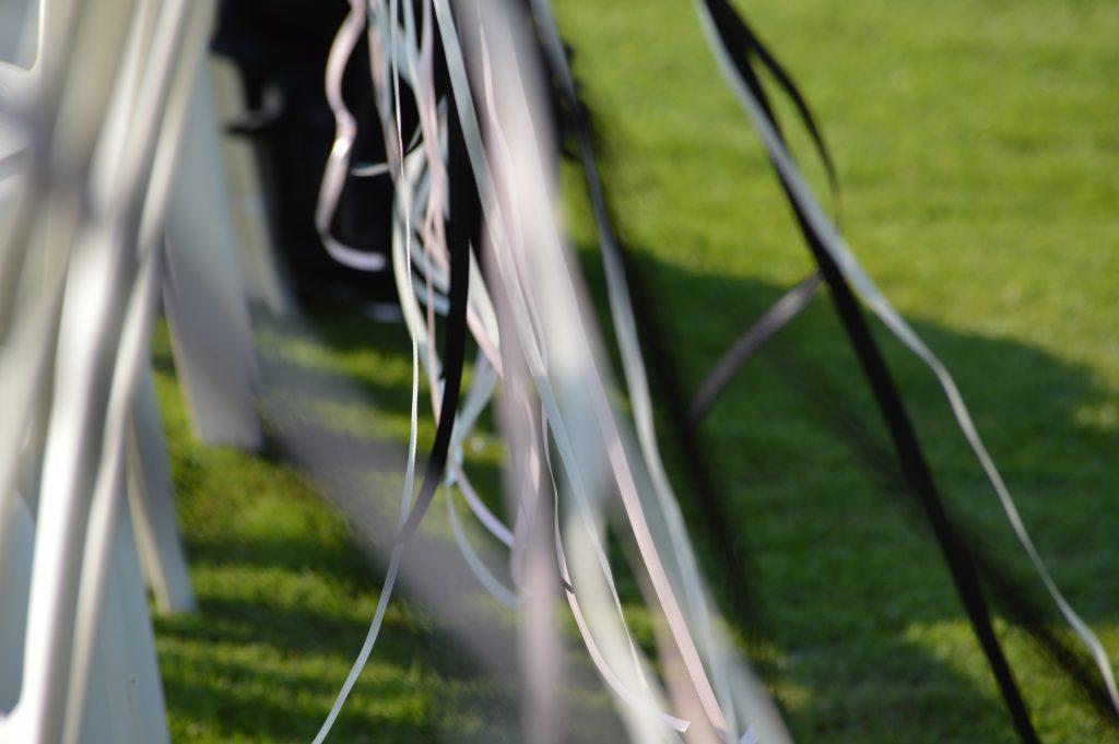 theme-noir-et-blanc-ceremonie-laique-wedding-planner-mariage-en-provence